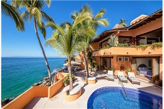 Villa McFuego - 3BR Home + Private Pool