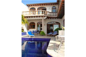 Villa Sirena - 4BR Home + Private Hot Tub