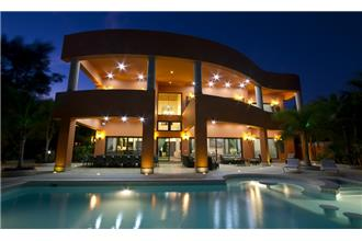 Cenote del Mar - 8BR Home + Private Pool