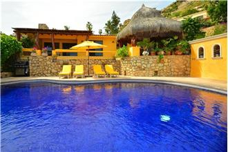 Villa Mira Flores - 2BR Home + Private Pool