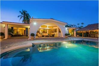 Villa Costa Brava - 3BR Home + Private Pool + Private Hot Tub