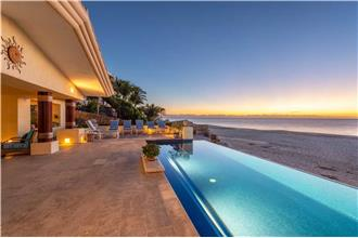 Villa De La Playa - Luxury 6BR Home + Private Pool + Private Hot Tub