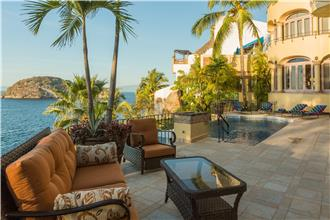 Villa Luna Creciente - 6BR Home Ocean Front + Private Pool