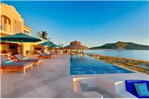 Villa Bahia de los Frailes - 4BR Home Ocean Front + Private Pool + Private Hot Tub
